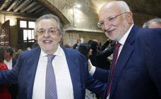 Autoridades y empresarios en la fiesta de los valencianos