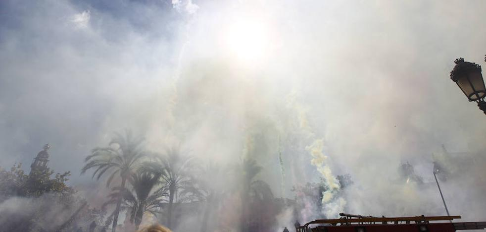 Valencia celebra el 9 d'Octubre con su tradicional mascletà
