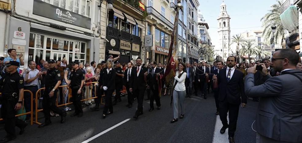 La crispación empaña la procesión cívica