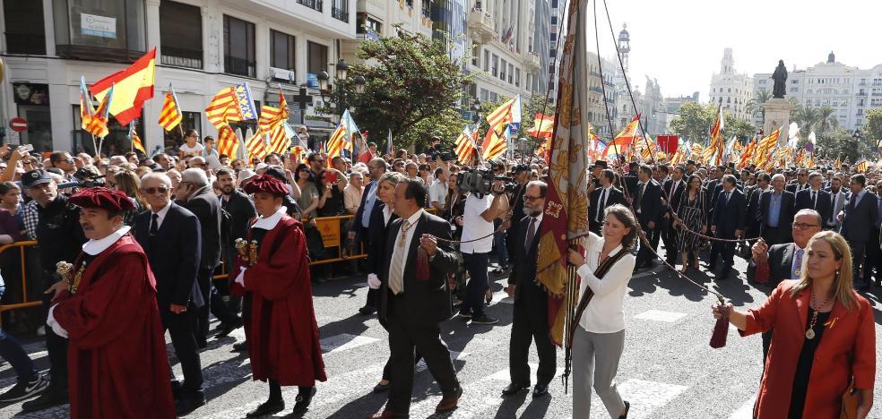 La reivindicación de la unidad de España protagoniza la procesión del 9 d'Octubre