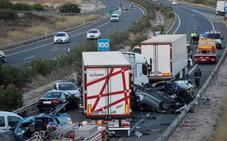 Cuatro miembros de una familia de Elche mueren en un accidente de la A-7