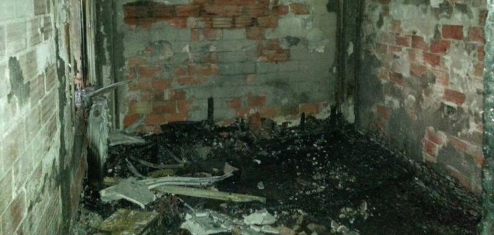 Un incendio en una vivienda de Torrent obliga a desalojar un edificio