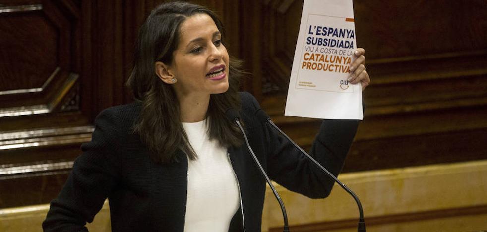 Arrimadas: «La independencia a plazos sigue siendo un golpe a la democracia»