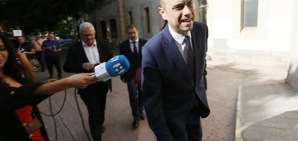 Los socios del PSPV se niegan a que Echávarri represente a Alicante