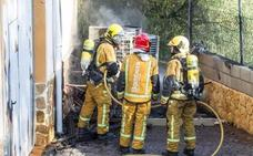 Descubren 300 plantas de marihuana al extinguir un incendio en un chalet de La Nucia