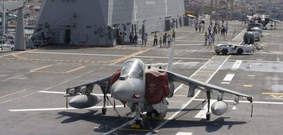 Visita de forma gratuita el portaviones Juan Carlos I durante su escala en Valencia