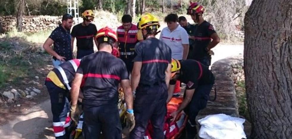 Una mujer resulta herida en Xàbia al clavarse el freno de la bicicleta en la ingle