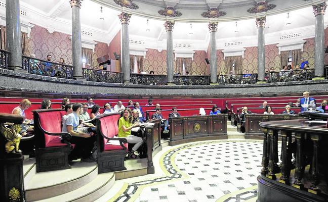 Intervención cuestiona contratos de personal en seis entidades municipales de Valencia