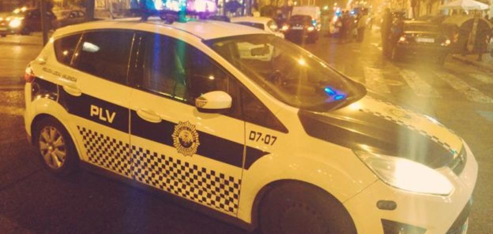 Detenido un hombre de 47 años por agredir a su pareja de 25 en la terraza de un bar de Valencia