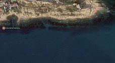 Una mujer cae desde 4 metros de altura en una cala del Cabo de Huertas