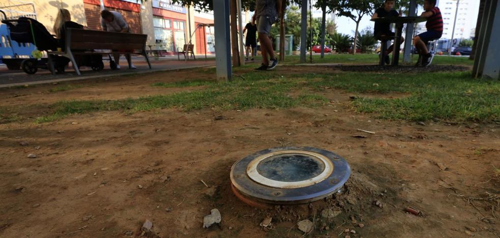 Investigan si un niño sufrió una descarga eléctrica de los focos de un parque en Torrent