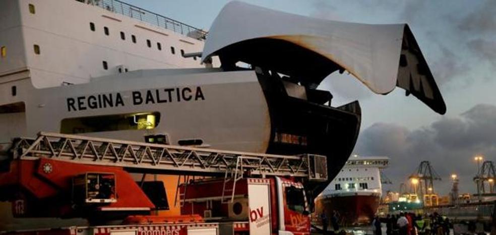 Parten a Argelia los 400 pasajeros afectados por el incendio de su barco