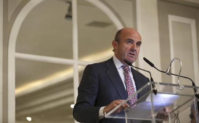 El Ejecutivo rebajará el crecimiento de España si el conflicto se mantiene