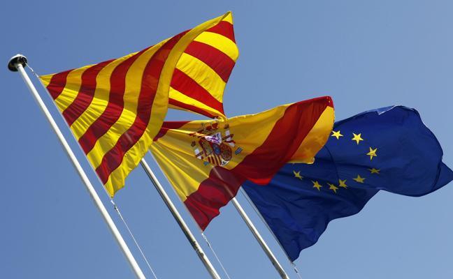 Las pymes catalanas abarrotan las notarías para pedir el cambio de domicilio