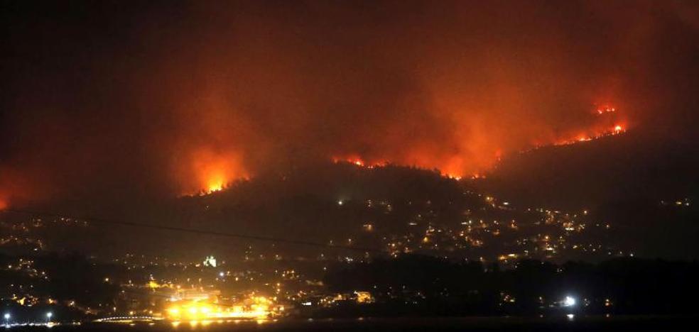 La ola de incendios en Galicia deja tres muertos y miles de hectáreas calcinadas