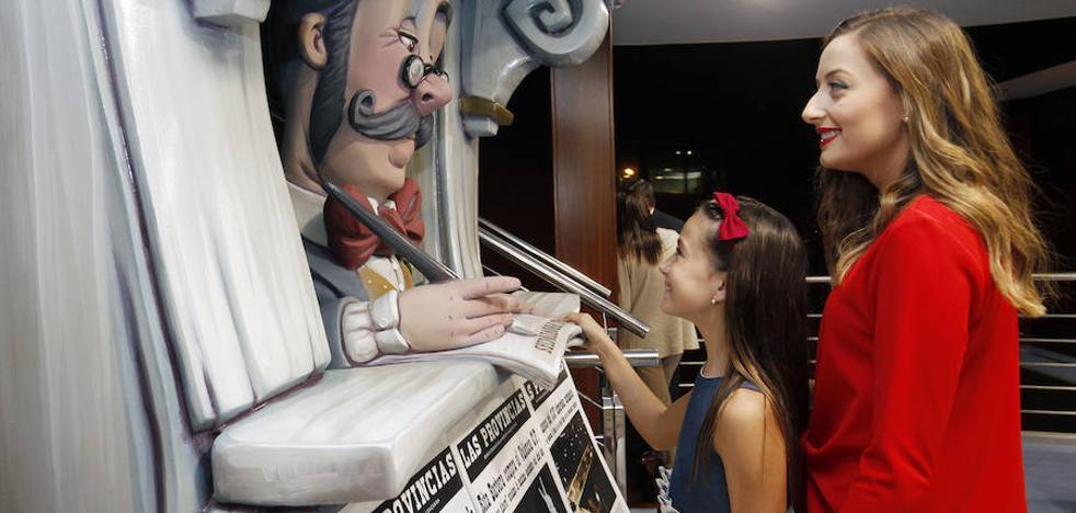 Las falleras mayores de Valencia de 2018 visitan Las Provincias