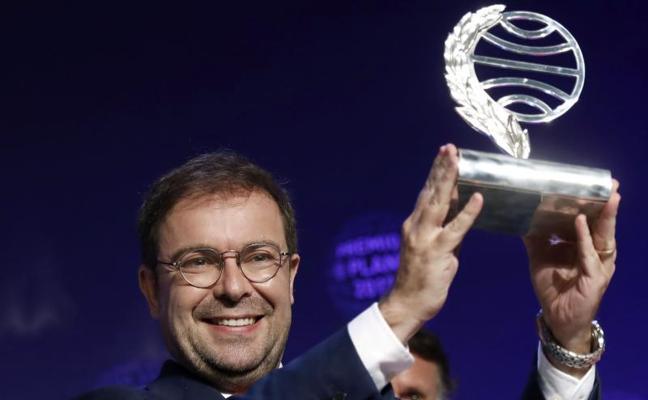 Javier Sierra gana el Planeta con 'El fuego invisible'