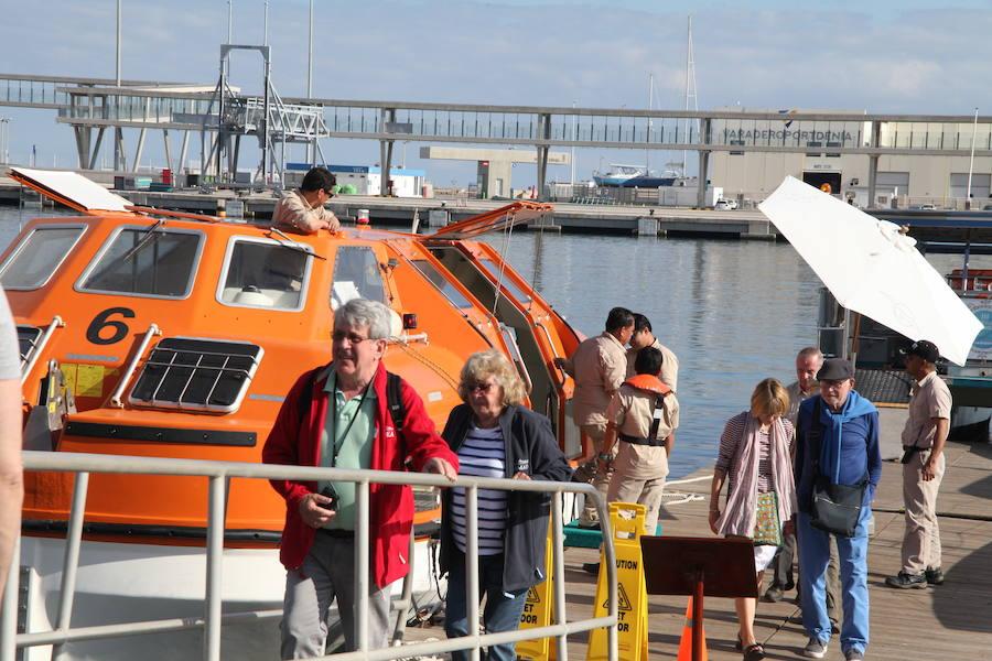 Medio millar de cruceristas desembarca en el puerto de Dénia