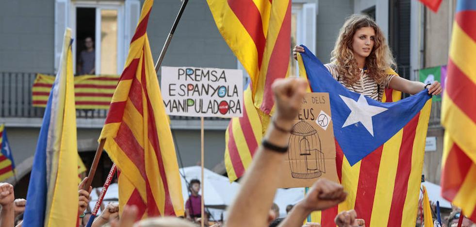 Barcelona concluye que las cargas tuvieron «carácter sexista» y recoge dos agresiones sexuales