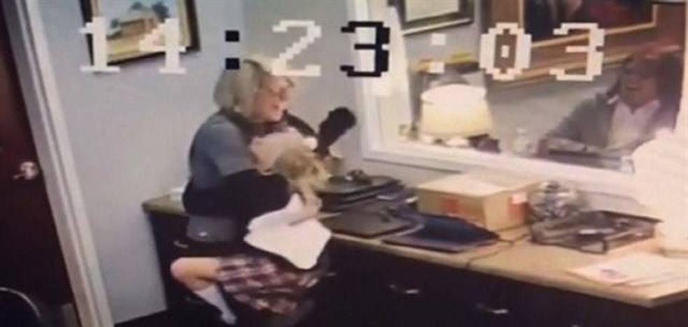 El vídeo de esta niña de 11 años al descubrir que va a ser adoptada ha enternecido a la red