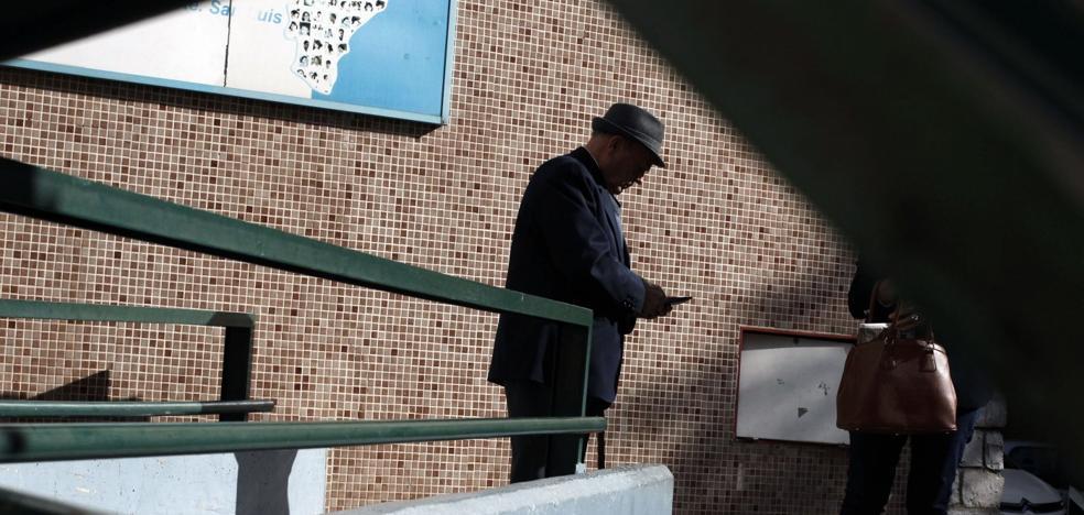 Cerca de 700 valencianos al día abandonan el tratamiento prescrito por su médico