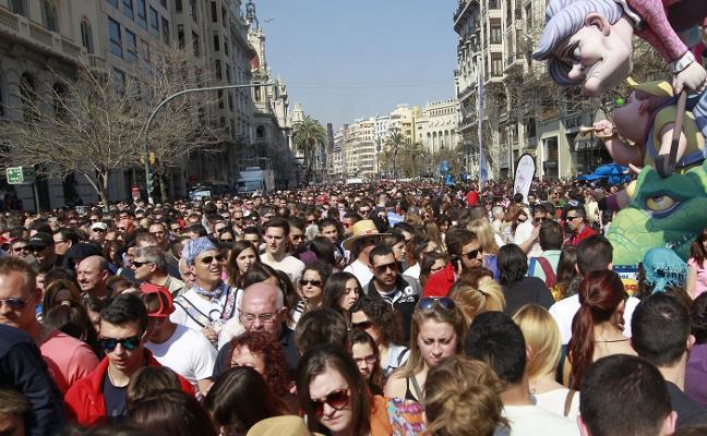 Ferroviaria se suma a la protesta de Convento Jerusalén por la retirada de la carpa fallera de Xàtiva