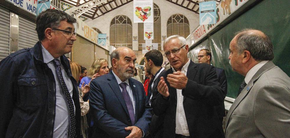 Alcaldes de todo el mundo cenan en el Mercado Central de Valencia