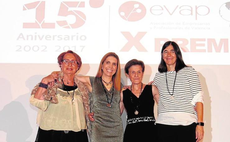 Fotos de las empresarias valencianas en la entrega de premios Evap celebrada en Las Arenas
