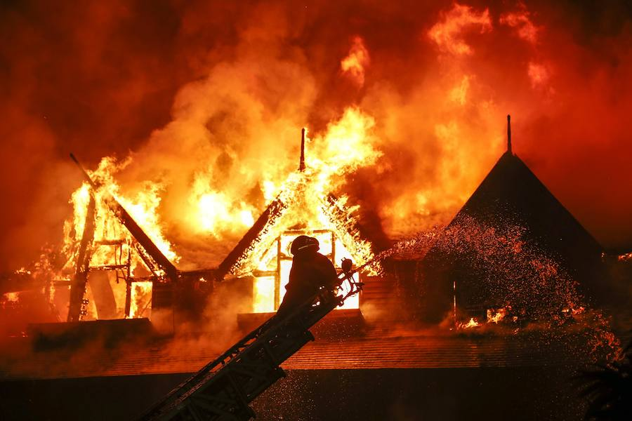 Fotos del incendio en un hotel de Birmania