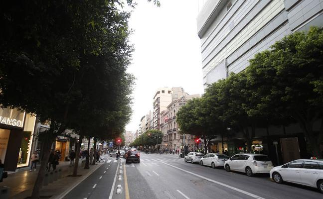 El comercio valenciano pincha en las rebajas estivales y confirma la ralentización de ventas