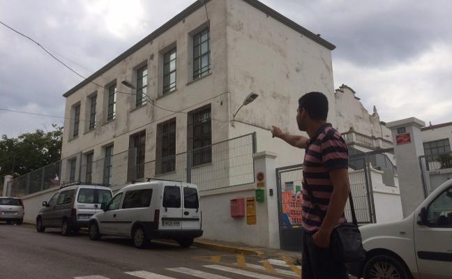 Decepción en La Font ante la falta de respuesta del Consell sobre el realojo de sus 300 escolares