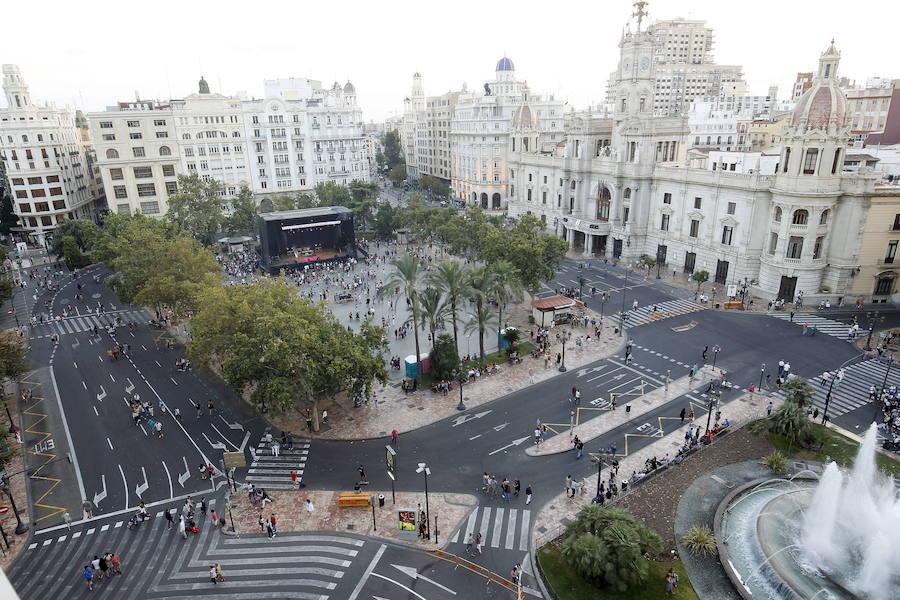 El tripartito estudiará peatonalizar la plaza del Ayuntamiento de Valencia