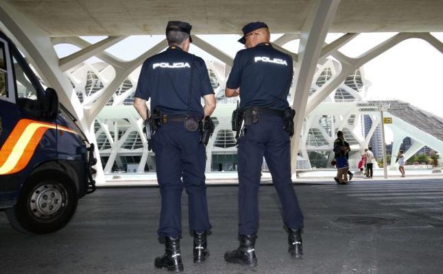 Dos hombres apalean a otro tras una discusión en un bar del centro de Valencia