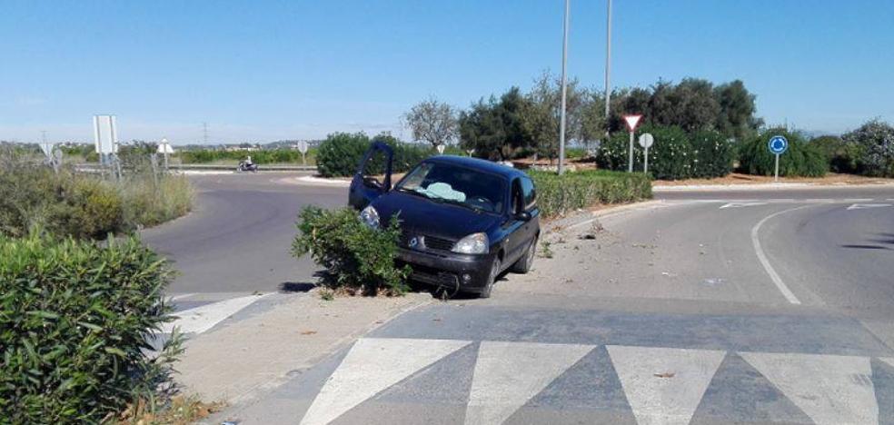 Detenido un hombre que causó dos accidentes con un coche robado en Picasent
