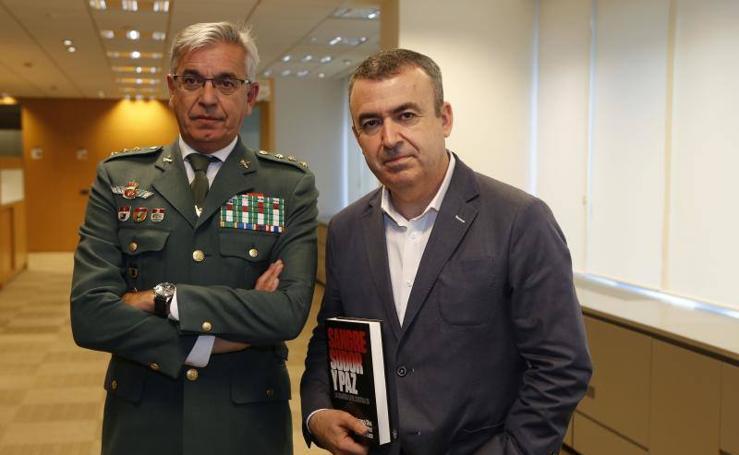 Presentación en Valencia del libro de Lorenzo Silva 'Sangre, sudor y paz'