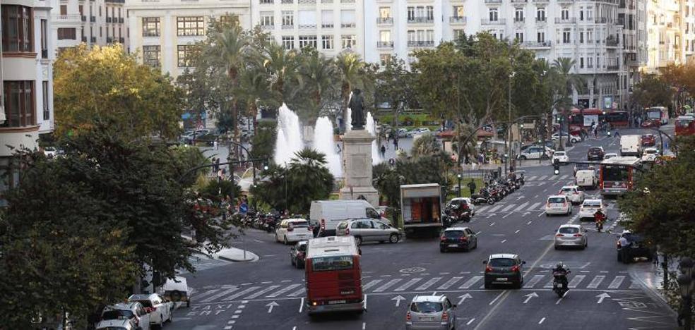 La plaza del Ayuntamiento, último veto para el coche en Valencia