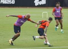 Santi Mina, ausente en el entrenamiento del Valencia CF