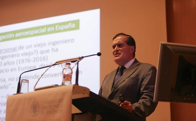 «España debe volver a crear aviones, como hizo en el pasado, sin dejar de colaborar con Europa»