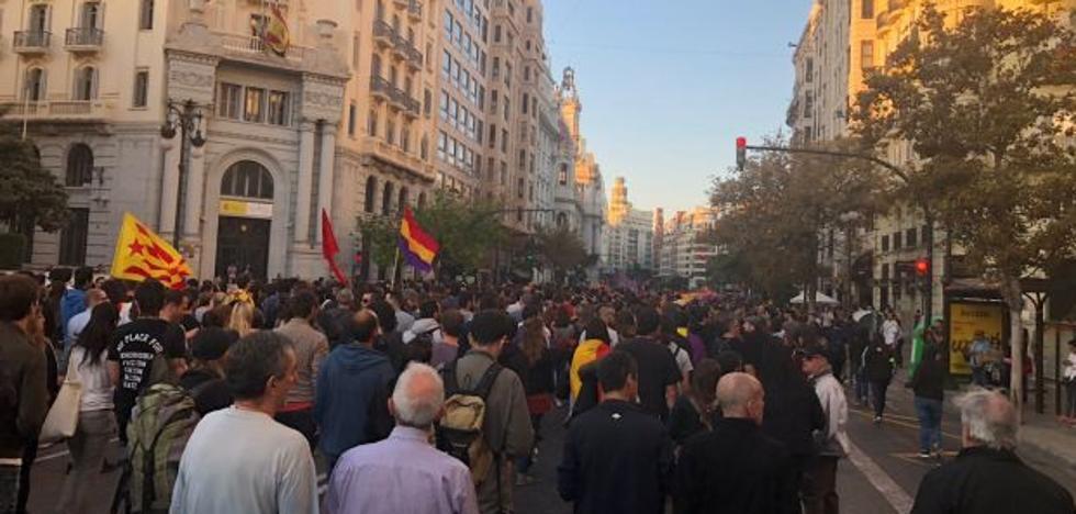 Un amplio dispositivo policial asegura la manifestación contra el fascismo en Valencia