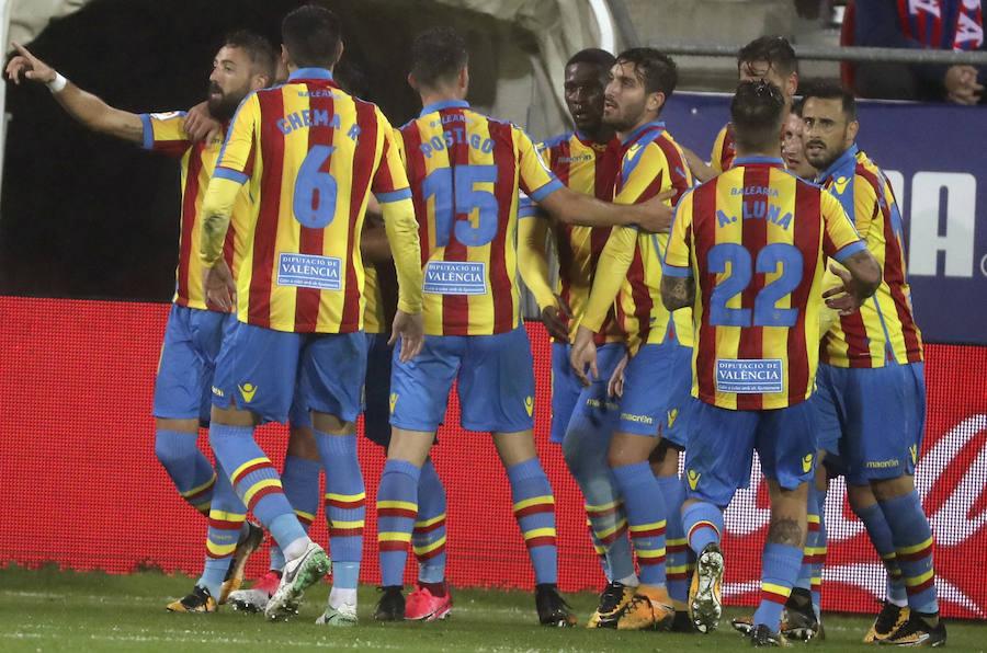 Fotos del choque entre el Eibar y el Levante UD