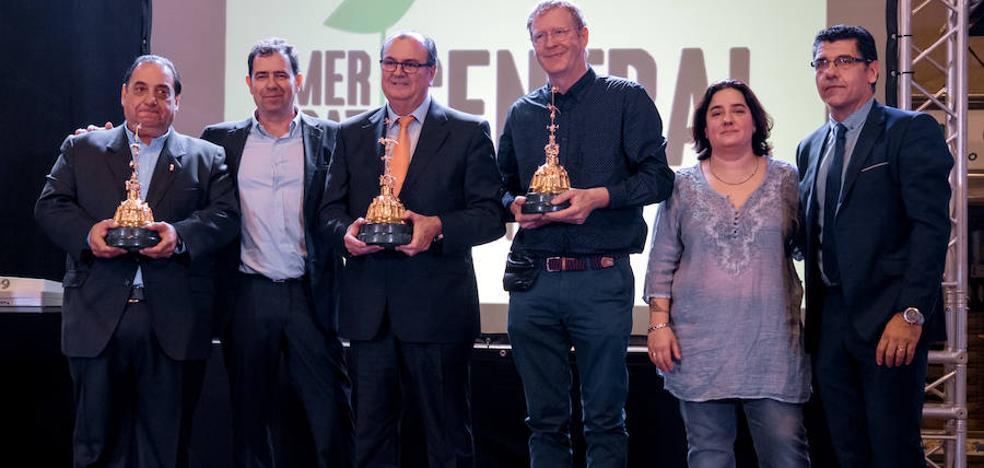 El presidente del Valencia Basket y el chef de Riff, galardonados con los Premios Cotorra del Mercado Central