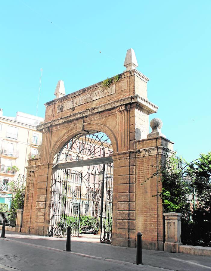 Fotos de puertas antiguas en Valencia