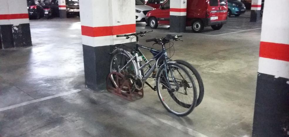 El Ayuntamiento obligará a reservar plazas en los garajes para bicicletas