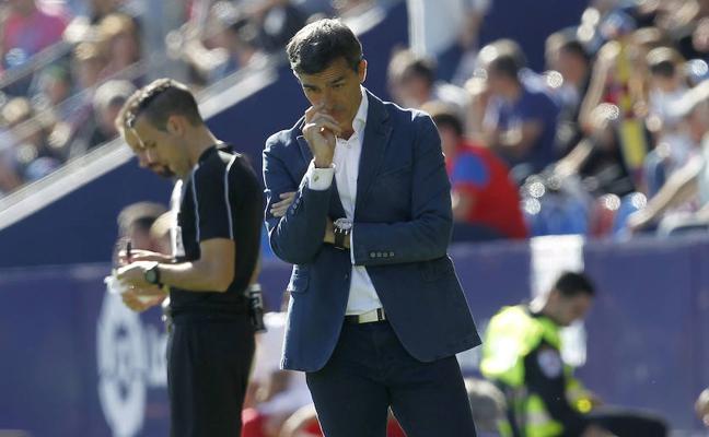 Muñiz da tres días de descanso a la plantilla tras la derrota ante el Girona