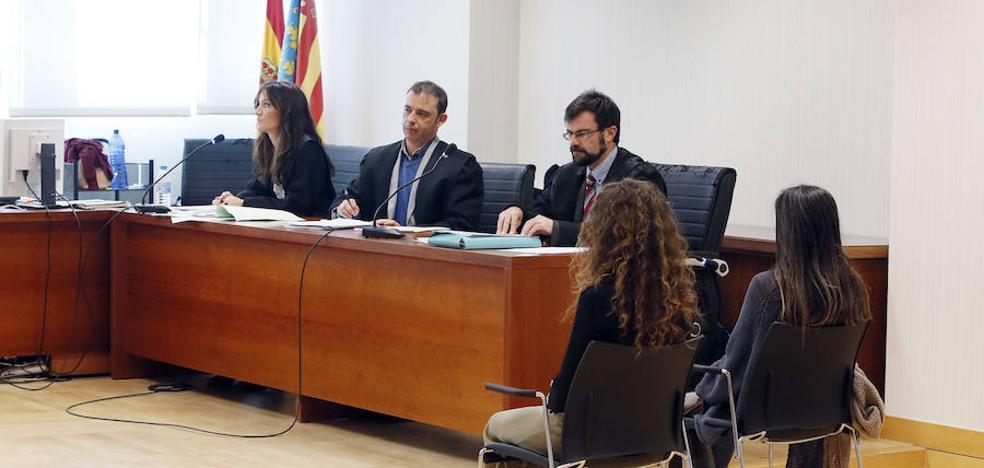La mujer que degolló a su bebé en un hospital de Torrevieja acepta 11 años de cárcel
