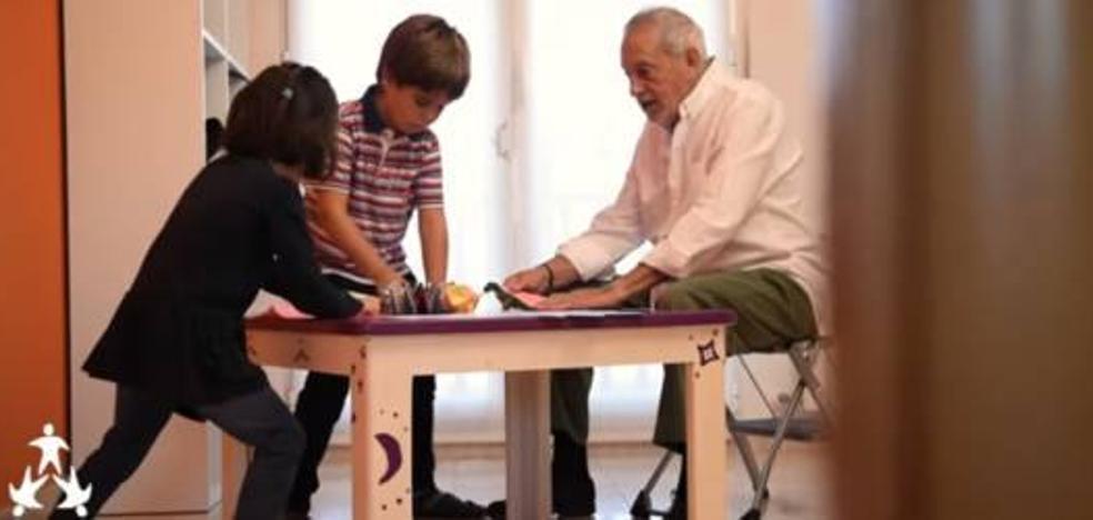 El vídeo homenaje a los abuelos que ha emocionado a más de 20 millones de personas