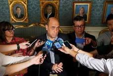 Gabriel Echávarri no dimite y asume en solitario la alcaldía de Alicante