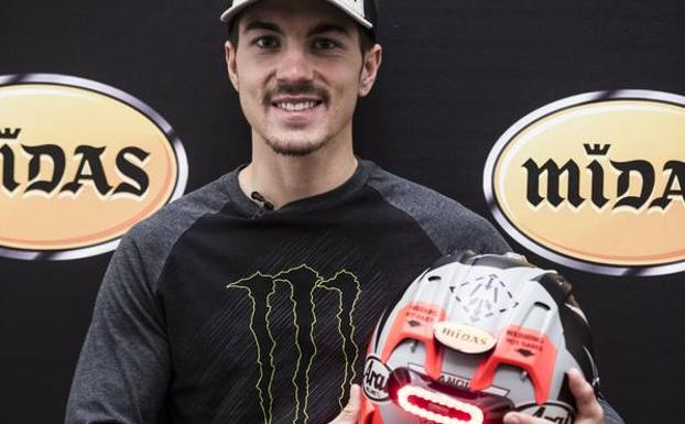Maverick VIñales, con el dispositivo de Midas y Cosmo Connected. /