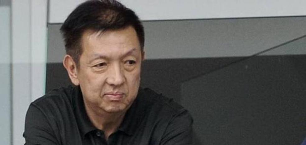 El Valencia CF defiende a Peter Lim y critica la mala gestión de dirigentes anteriores