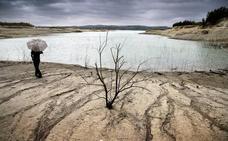 Los embalses se sitúan en el nivel más bajo de agua desde 1995